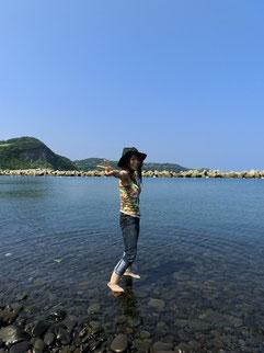 ウッチー、海に入るのは・・・なんと十数年ぶりだぁ。今度は水着持ってこよう~♥