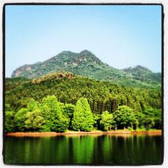 赤川ダムから望む古賀志山
