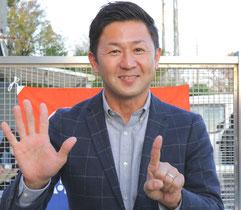 この勝利で600勝を達成した笹野博司調教師