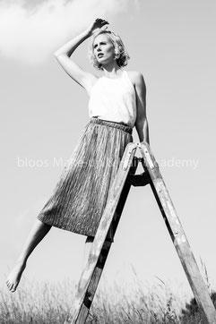 Haare & Make-up / Schüler: Marieme B.   Model: Charlotte,    Agency: JAVA People Management   Produktion: bloos Make-up & Hair Academy   Foto: Markus Thiel