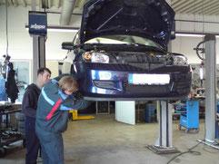 In unserer modernen Werkstatt verfügen wir über modernste Mittel und Möglichkeiten des Bosch-Car-Service-Netzes. Hier können Sie nur profitieren.