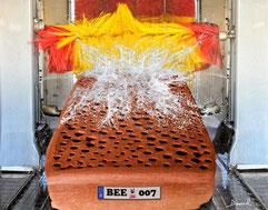 Insektenhotel Insektennisthilfe Fotomontage gebrannter Ton Werner David
