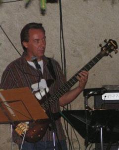 Jean-Pierre, basse et chant de 2004 à 2005