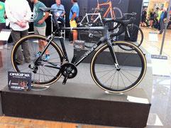 Vélo Origine-Axome en Sram Red eTap: 5,8 kg--