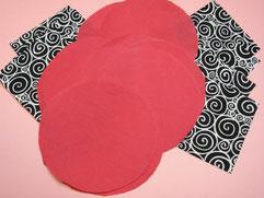 Ausgeschnittene Quadrate und Kreise