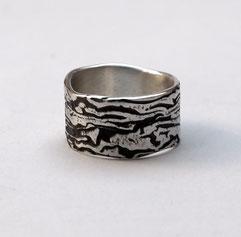 breiter Silberring strukturiert massiv teils geschwärzt