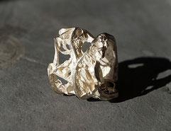 sehr breiter Silberring mit außergewöhnlicher Struktur handgefertigt vom Goldschmied