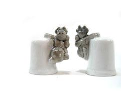 Dedal de porcelana, vaca gris.