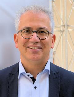 Tarek Al-Wazir, Hessischer Minister für Wirtschaft, Energie, Verkehr und Wohnen © dokubild.de / Klaus Leitzbach
