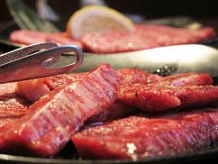 肉の食べ過ぎは体臭の原因になる。アメリカ人は体臭臭い