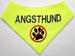 Im Training, Angsthund, Nicht anfassen, Abstand halten, Hundehalstuch