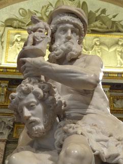 Bernini: Aeneas trägt Anchises aus der brennenden Stadt