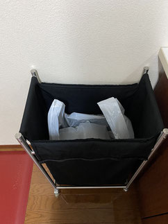 IKEAのランドリーバッグをゴミ箱に