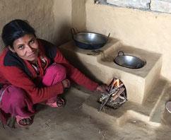 Von Carisimo-Hilfe für Nepal neueerbauter Ofen