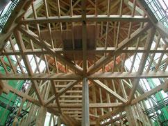 対角梁の家