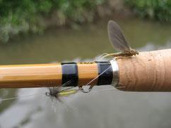 Gespliesste Fliegenrute mit Entagsfliege