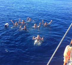 Schwimmen von Bord der AVALON aus im warmen Atlantik