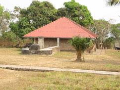 Spitaltrakt mit Regenwassersammlung und Zysterne