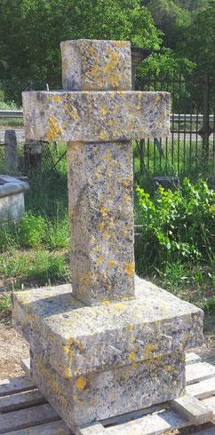 croix-chemin-pierre-taille-saint-tropez-var-83