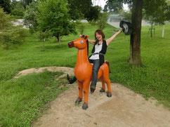 キャッホー。暴れ馬も軽く乗りこなすよー!