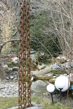 Eisenketten mit Wasserspeisung