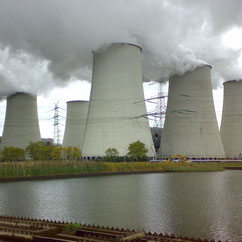 power-plant-towers-emit-fumes