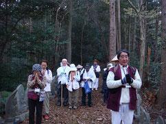 山中の百観音で江戸時代の巡礼道を偲ぶ
