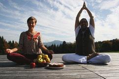 """Yoga-Retreat """"Friede, Freude, Apfelkuchen"""" mit Mirke Steckler & Uli Nachtsheim"""