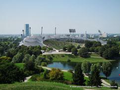 Le stade principal du parc olympique de Munich est un chef d´oeuvre d´architecture moderne.