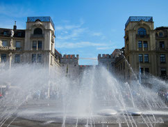 Découvrez la Karlsplatz, avec sa grande fontaine