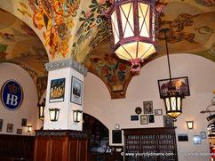 """Tourisme - La brasserie """"Hofbräuhaus"""" est la plus conue du monde et son ambiance rappelle l´Oktoberfest"""
