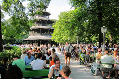 Le Biergarten de la Chinesischer Turm en Bavière
