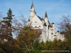 Neuschwanstein, le château de Louis II de Bavière, est le site touristique le plus visité de Bavière.