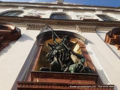 statue de Saint Michel