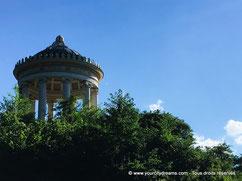Le Monopteros du jardin anglais, en forme de temple