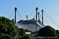 L'architecture  originale du stade olympique à Munich