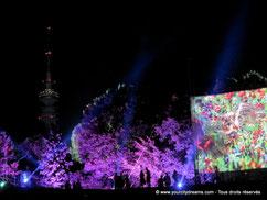 Les illuminations de Tollwood à Munich émerveillent les visiteurs.