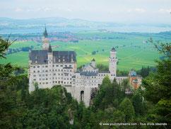 Vue surplombant le château de Neuschwanstein en Bavière