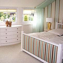 Tischlerei Feinschliff Bielefeld: Schlafzimmer, Bett, Kommode, Stoffbespannung