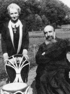 Berthe Petit et le prêtre Louis Decorsant