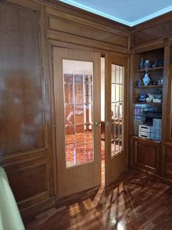 paredes en madera y mueble en su estado original