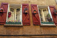 certaines façades possèdent deux fenêtres