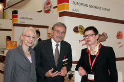 Heidelore Knirr with Mr. Klaus Ranner, Consul General of the Federal Republic of Germany.