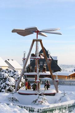 Bild: Teichler Wünschendorf Erzgebirge Weihnachtspyramide
