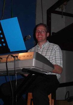 Philippe, clavier et chant de 2004 à 2011