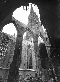 destroyed St. Stephans cathedral April 1945