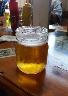 Bier aus dem Schraubdeckelglas