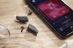 Hörgeräte mit dem Handy drahtlos verbinden