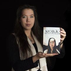 Autorin veröffentlicht ersten Historienroman, Nadine J. M. Knauer, stellt ihr Erstlingswerk vor