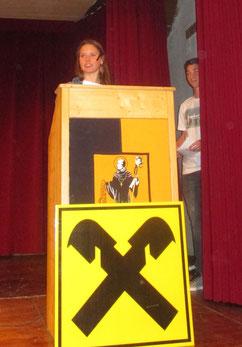 Katrin als Sprecherin bei der Preisverteilung
